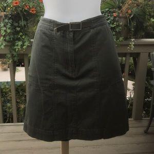 Rafaella - Army green skirt w/pockets front/back